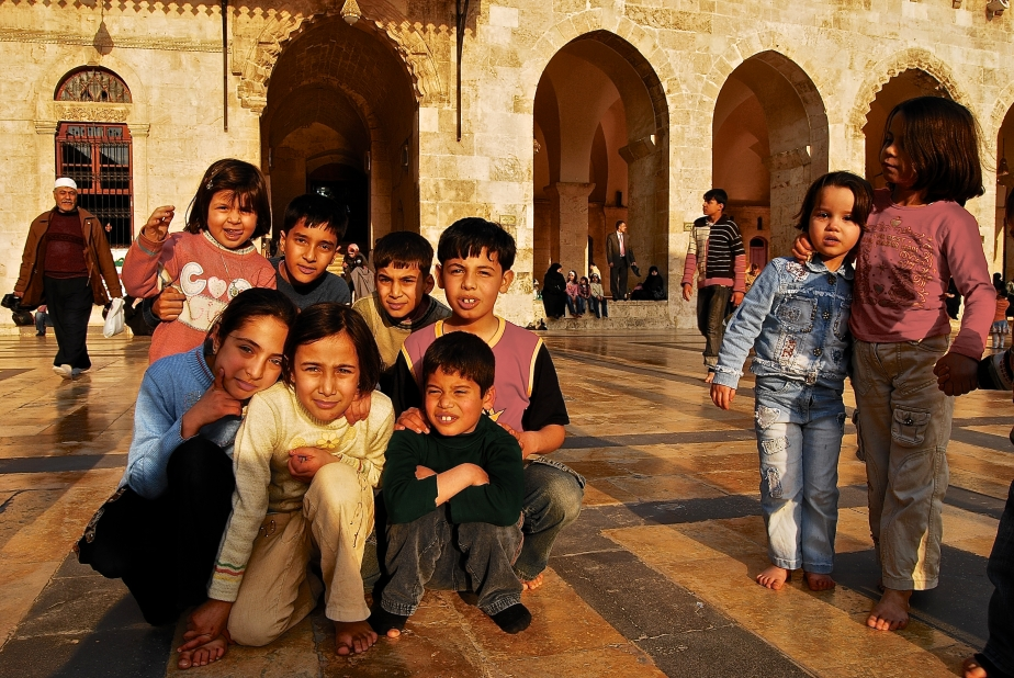 children-at-the-umayyed-mosque-aleppo
