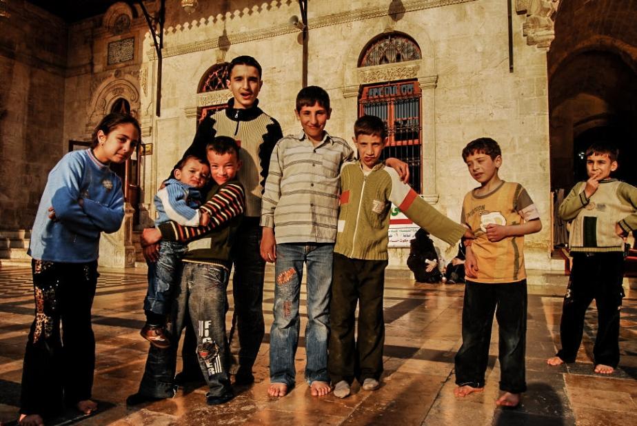kids-at-umayyad-mosque